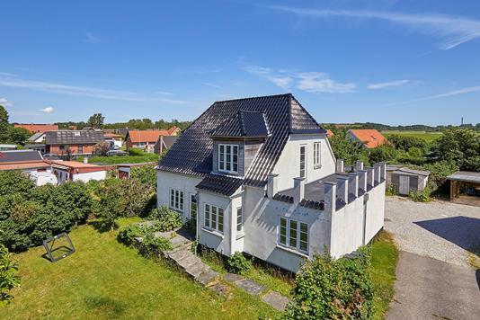 Villa på Byvej i Frederikssund - Ejendommen