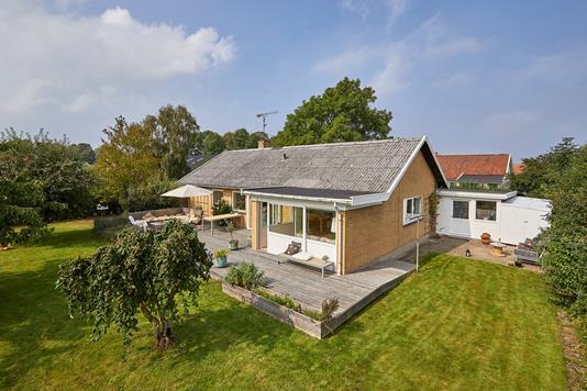 Villa på Vængetvej i Jægerspris - Ejendommen