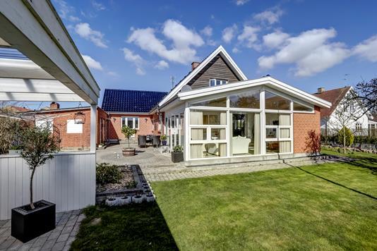 Villa på Kirkevej i Stenlille - Ejendommen