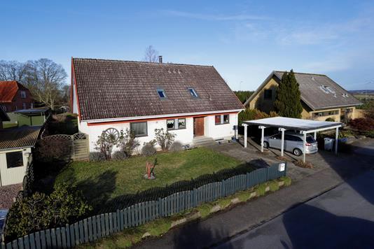 Villa på Rønnevej i Stenlille - Ejendommen