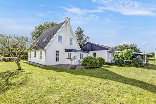 Villa på Stokholtsvej i Fjenneslev - Ejendommen