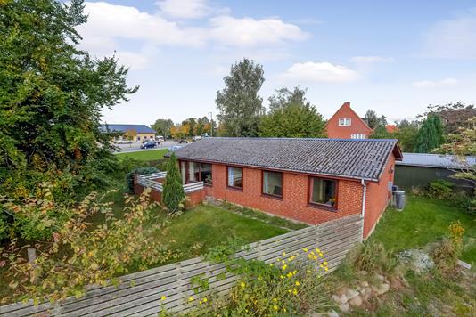 Villa på Ventemøllevej i Dianalund - Ejendommen