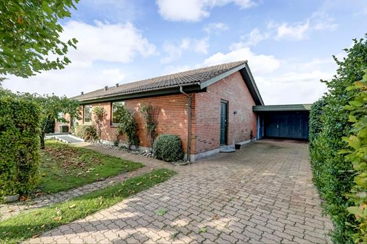 Villa på Røllikevej i Sorø - Ejendommen