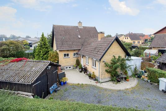 Villa på Rolighedsvej i Nyrup - Ejendommen