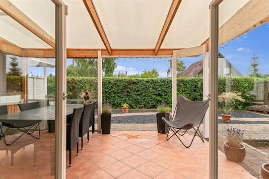 Villa på Pretoria Alle i Kastrup - Overdækket terrasse