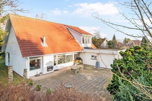 Villa på Østre Strandvej i Greve - Ejendommen
