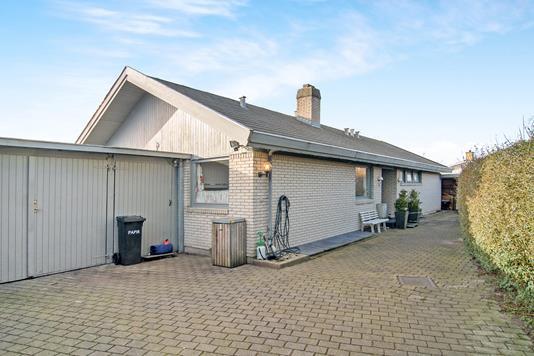 Villa på Dørrøjel i Greve - Ejendommen