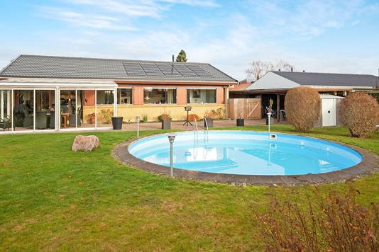Villa på Birkelyparken i Greve - Ejendommen