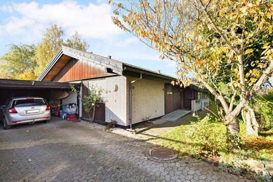 Villa på Jægervænget i Greve - Ejendommen