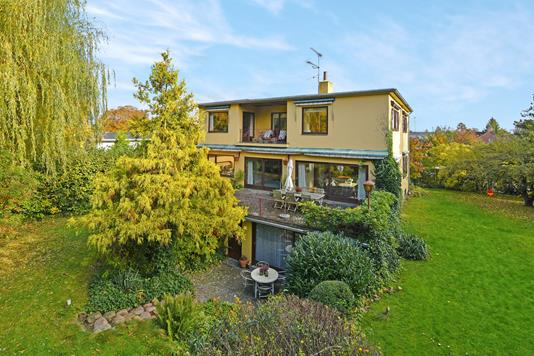 Villa på Grumstrupsvej i Hellerup - Ejendommen