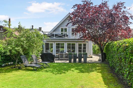 Villa på Strandvejen i Klampenborg - Ejendom 1