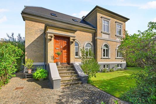 Villa på Ole Bruuns Vej i Charlottenlund - Ejendom 1