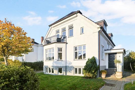 Villa på Jacobsens Alle i Hellerup - Ejendom 1