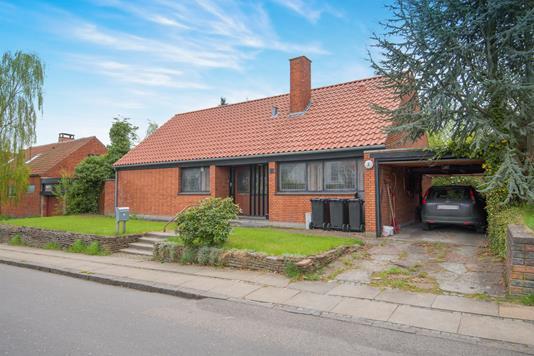 Villa på Grants Alle i Hellerup - Ejendommen