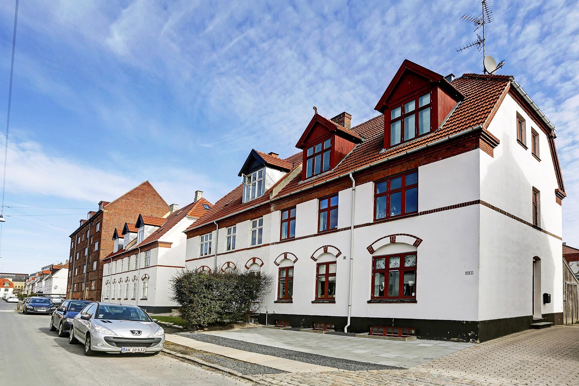 Villalejlighed på Kløverbladsgade i Valby - Ejendommen