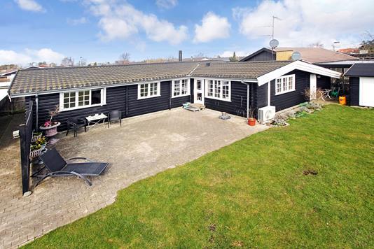 Villa på Tranehusvej i Kastrup - Ejendommen