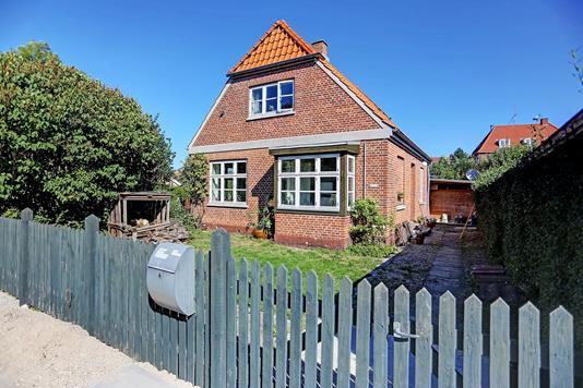 Villa på Nakskovvej i Valby - Indkørsel