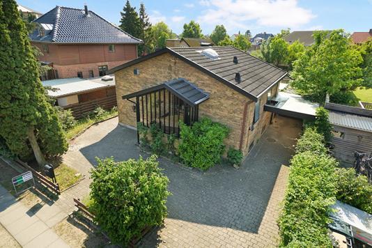 Villa på Risbyholmvej i Brønshøj - Ejendommen