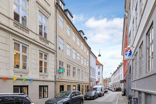 Ejerlejlighed på Knabrostræde i København K - Ejendommen
