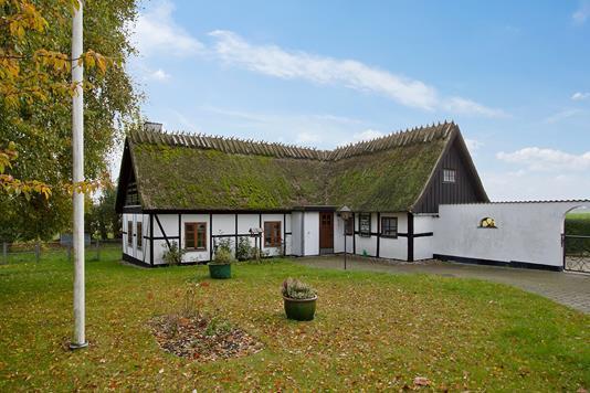 Villa på Tinghusvej i Karise - Ejendommen