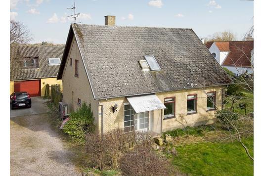 Villa på Strøby Bygade i Strøby - Set fra haven
