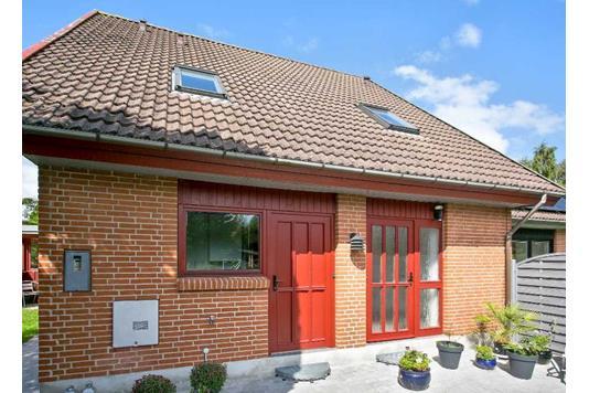 Villa på Flidsagervej i Faxe Ladeplads - Indgangsparti