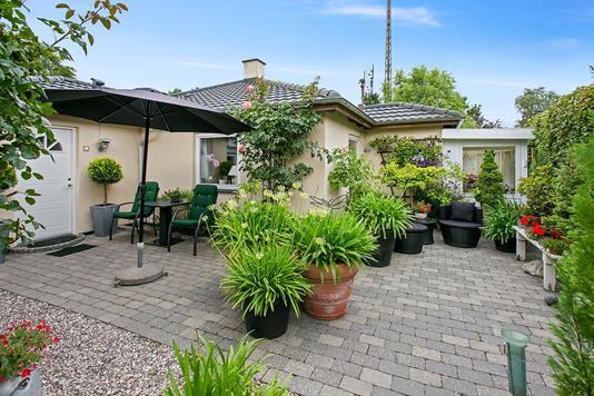 Villa på Leestrup Byvej i Tappernøje - Set fra haven