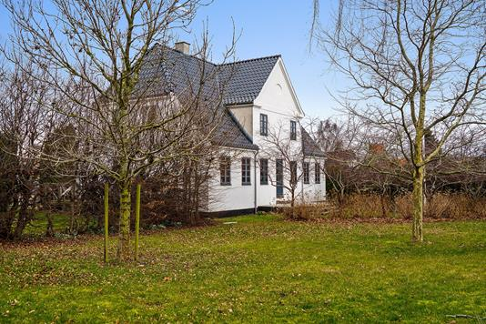 Villa på Faxevej i Hårlev - Set fra haven