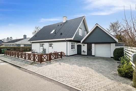 Villa på Fasanvej i Karise - Set fra vejen