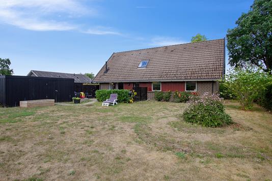 Villa på Jernvænget i Hårlev - Set fra haven