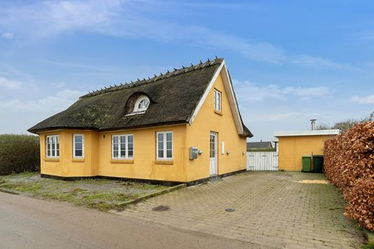 Villa på Kissendrupvej i Faxe - Set fra vejen