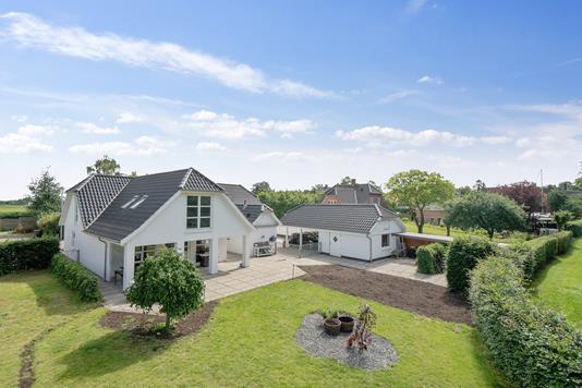 Villa på Egedevej i Faxe - Set fra haven