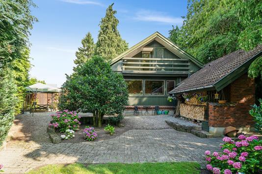 Villa på Strandvejen i Faxe Ladeplads - Set fra haven