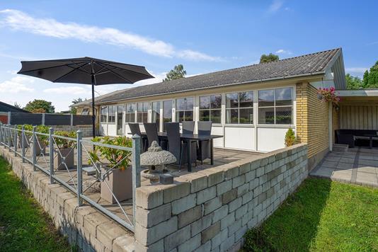Villa på Ellevej i Faxe - Set fra haven