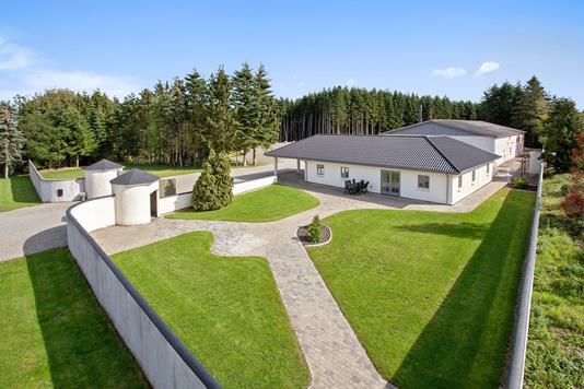 Villa på Rønnedevej i Tappernøje - Set fra haven