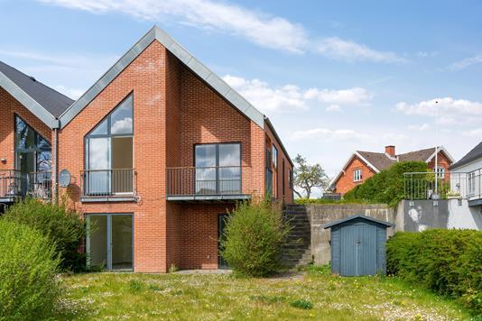 Villa på Klintevej i Faxe Ladeplads - Set fra haven