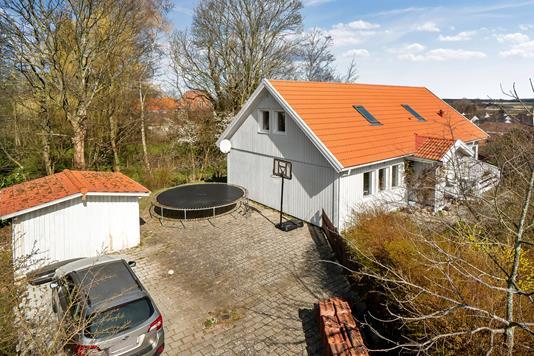 Villa på Hestevænget i Rønnede - Set fra vejen