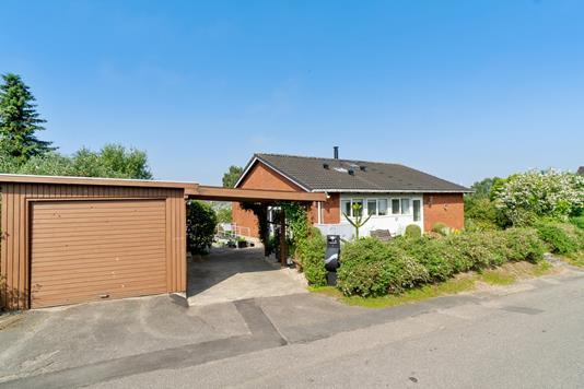 Villa på Sommervej i Faxe Ladeplads - Set fra vejen