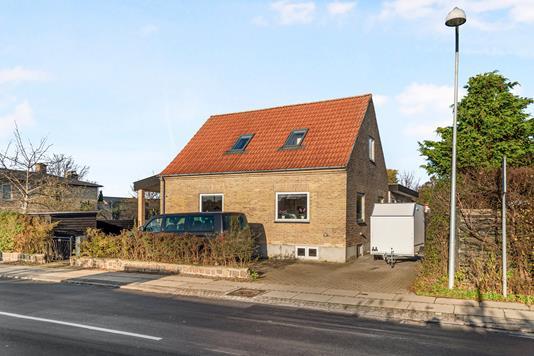 Villa på Præstebrovej i Søborg - Ejendommen