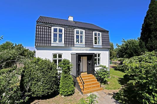 Villa på Vangsåvej i Vanløse - Ejendommen