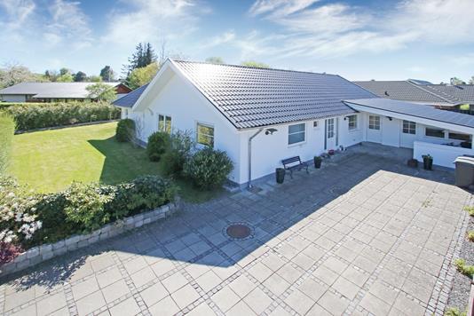 Villa på Brandsbjergvej i Glostrup - Ejendommen