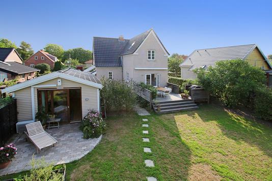 Villa på Rønne Alle i Albertslund - Ejendommen