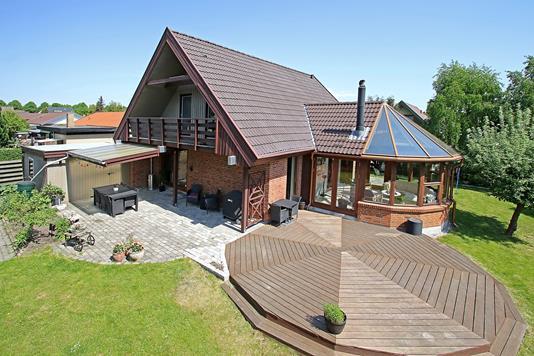 Villa på Ved Lindelund i Brøndby - Ejendommen