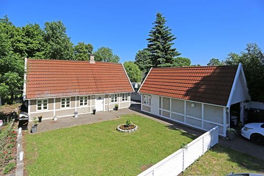 Villa på Ejby Udlodsvej i Glostrup - Ejendommen