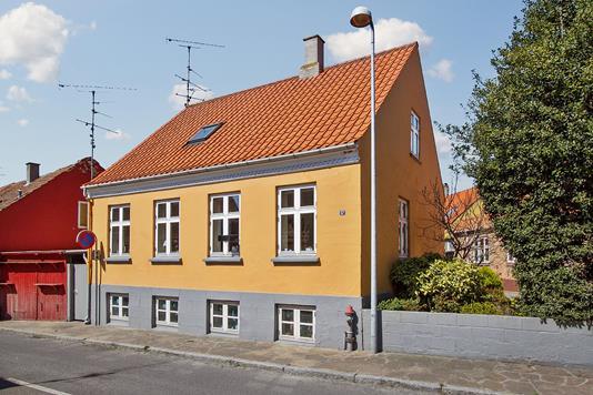 Villa på Ferskesøstræde i Nexø - Ejendommen
