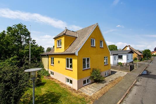 Villa på Møllevej i Østermarie - Ejendommen