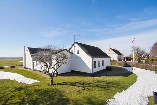 Villa på Pederskervejen i Nexø - Ejendommen