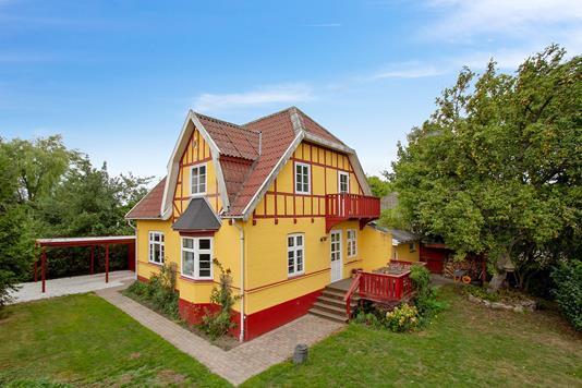 Villa på Gl Rønnevej i Nexø - Set fra haven