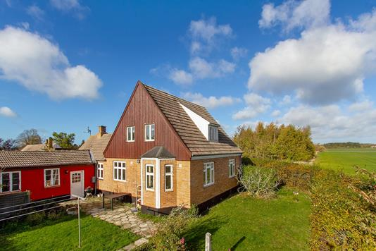 Villa på Østre Sømarksvej i Aakirkeby - Set fra haven