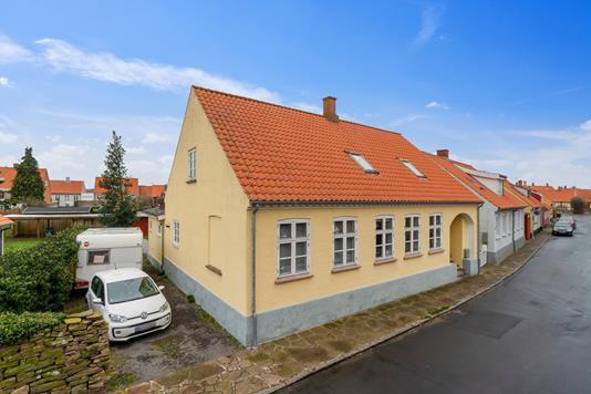 Villa på Nørregade i Nexø - Set fra vejen